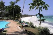 Kenya-Mombasa-beach2