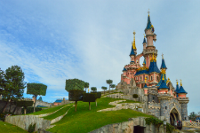 disneyland_paris_castle_from-side1 mic