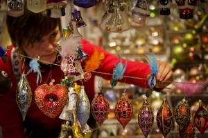 vendor-arranged-Christmas-ornaments-Prague-Christmas-market